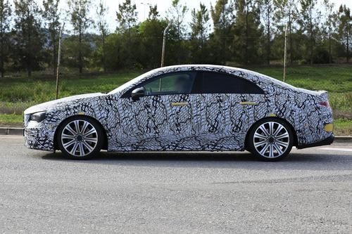 Mercedes, in arrivo le potenti CLA 35 e 45 AMG [Foto spia] (6)