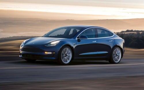 Ticinonline - Tesla Model 3, consegne sotto le attese