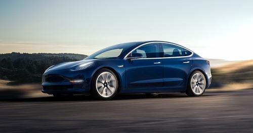 Tesla sconta la Model 3 di 2.000 dollari (4)