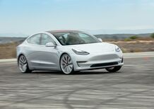 Tesla sconta la Model 3 di 2.000 dollari