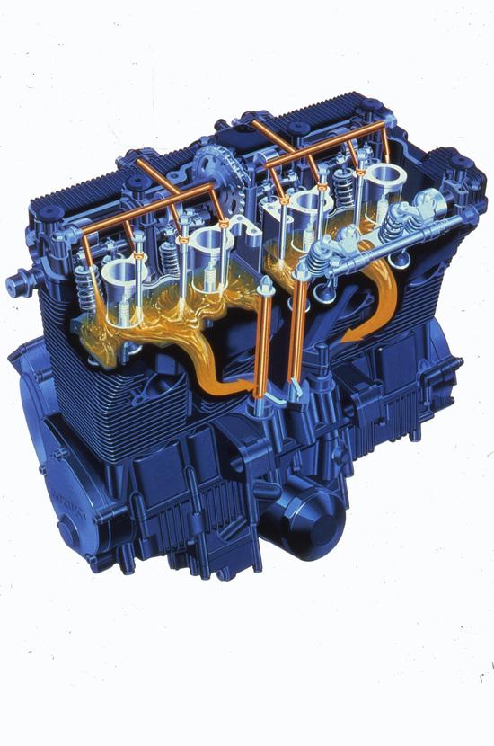 Dalla metà degli anni Ottanta all'inizio del decennio successivo le Suzuki quadricilindriche GSX-R di 750 e 1100 cm3 sono state dotate di un sistema di raffreddamento misto aria-olio denominato SACS