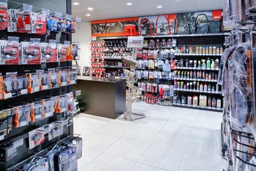 Wheelup Smart Stores, franchising di abbigliamento, accessori e ricambi moto (8)