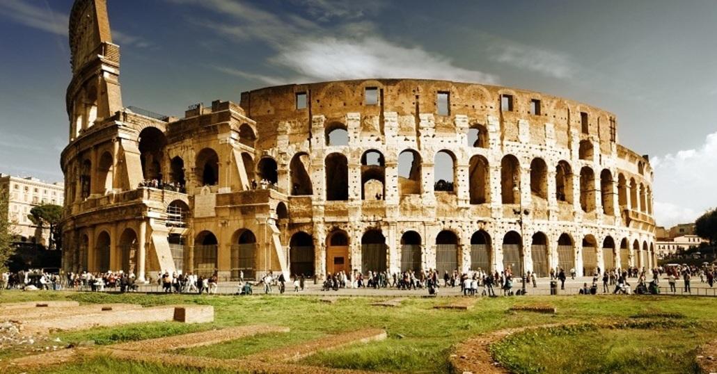 Roma, se cadi in una buca è soltanto colpa tua