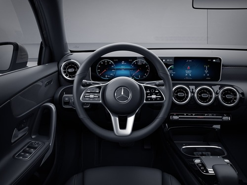 Mercedes Classe A Sport Extra, un anno di MBUX (5)