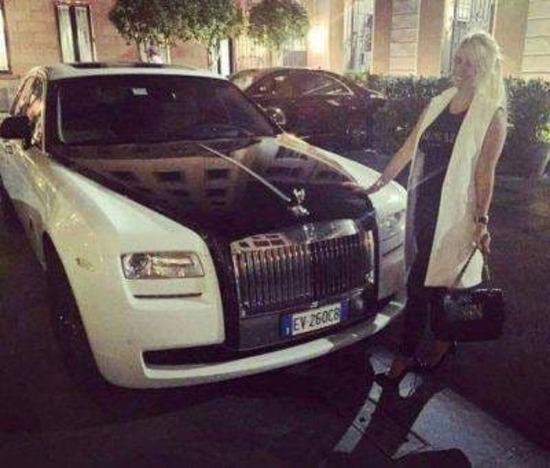 La Rolls-Royce Ghost di Wanda Nara