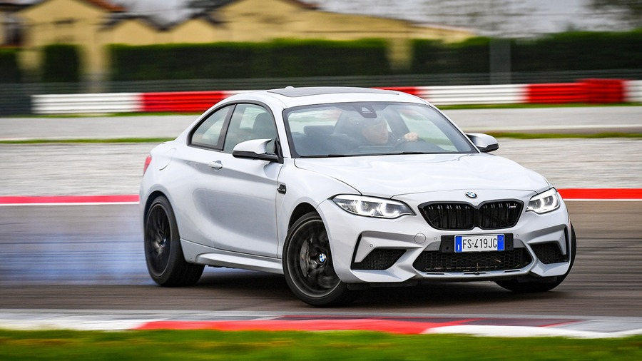 BMW M2 Competition vs BMW S1000R126 2