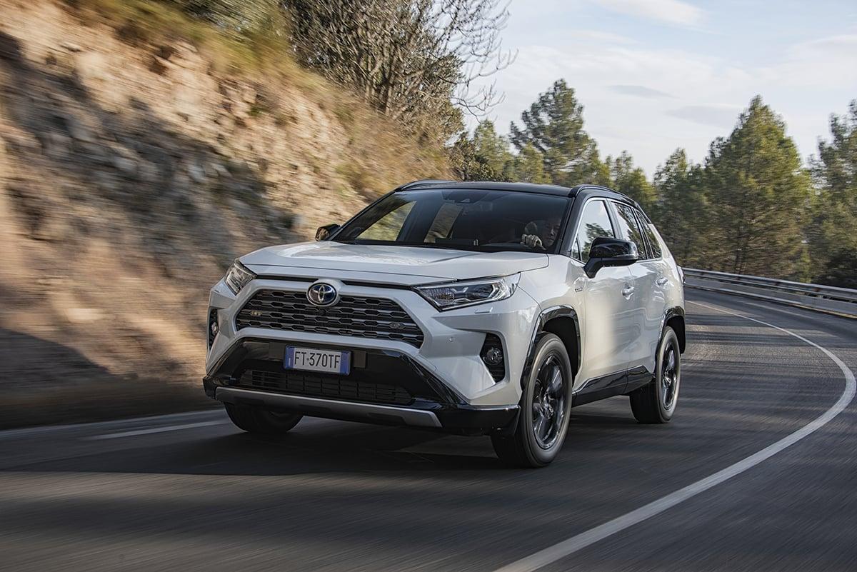 Toyota RAV4 2019, solo Hybrid, anche 4x4 AWD-i [Video ...