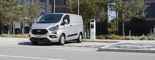 Veicoli commerciali Ford, 2019 ricco di novità con Raptor e Transit PHEV (8)