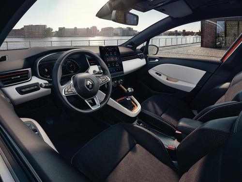 Nuova Renault Clio, svelati gli interni (7)