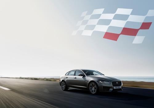 Jaguar XF e XF Sportbrake, arriva la serie speciale Chequered Flag (2)