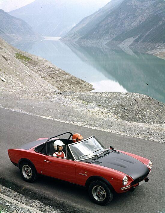 La Fiat 124 Spider nella versione Abarth fu la rappresentante di Fiat nei rally continentali