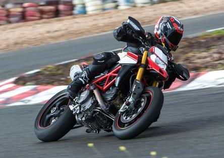 Ducati Hypermotard 950 e 950 SP TEST. Ritorno alle origini