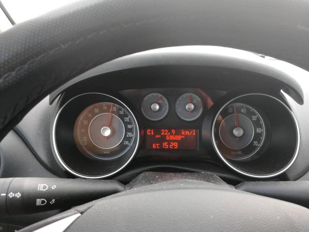 Fiat Punto 0.9 TwinAir Turbo 105 CV S&S 5 porte Lounge del 2014 usata a Monticello Brianza (4)