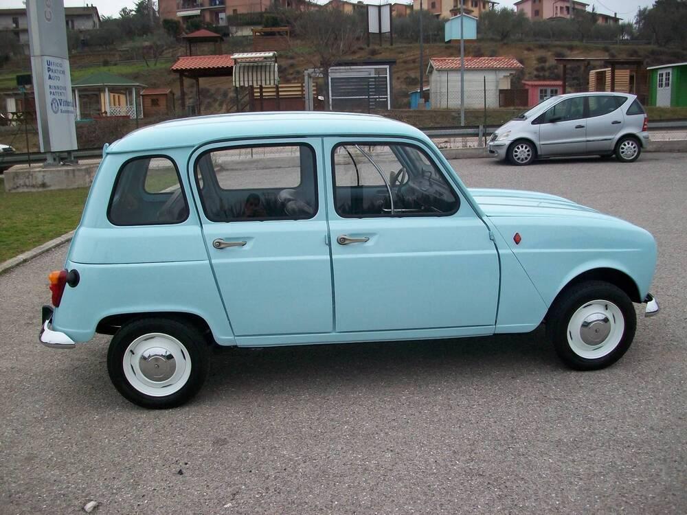 4 L d'epoca del 1980 a Corciano (5)