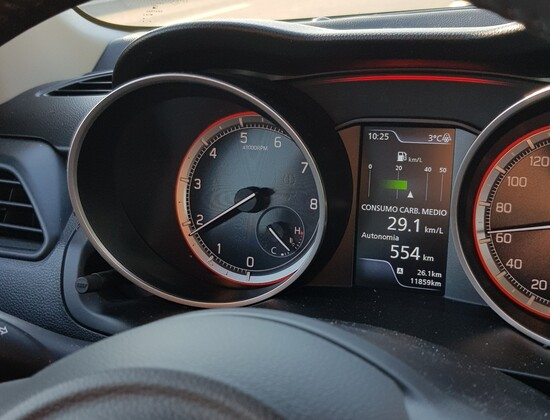 I consumi indicati sullo strumento della Suzuki Hybrid, sono in realtà peggiori di quelli reali
