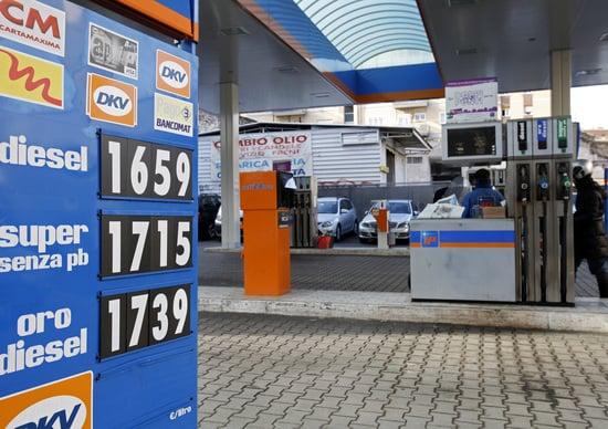Milano, quanto costa la benzina? Guerra dei prezzi