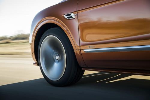 Bentley Bentayga Speed, il SUV più veloce del mondo (9)