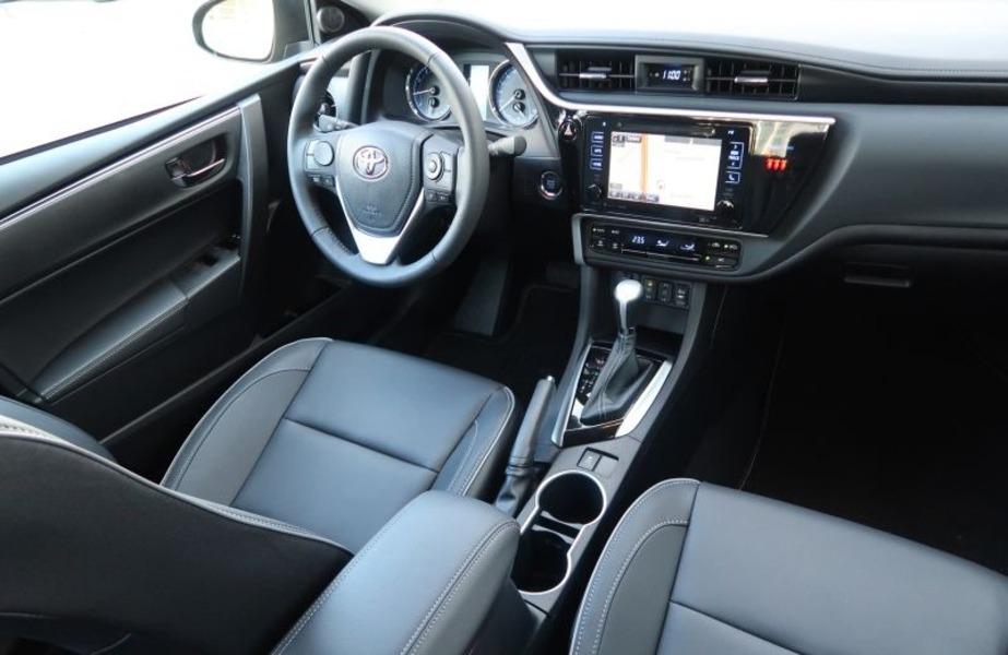 Toyota Corolla (2018->>) (5)