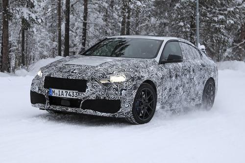 BMW Serie 2 Gran Coupé: foto spia (8)