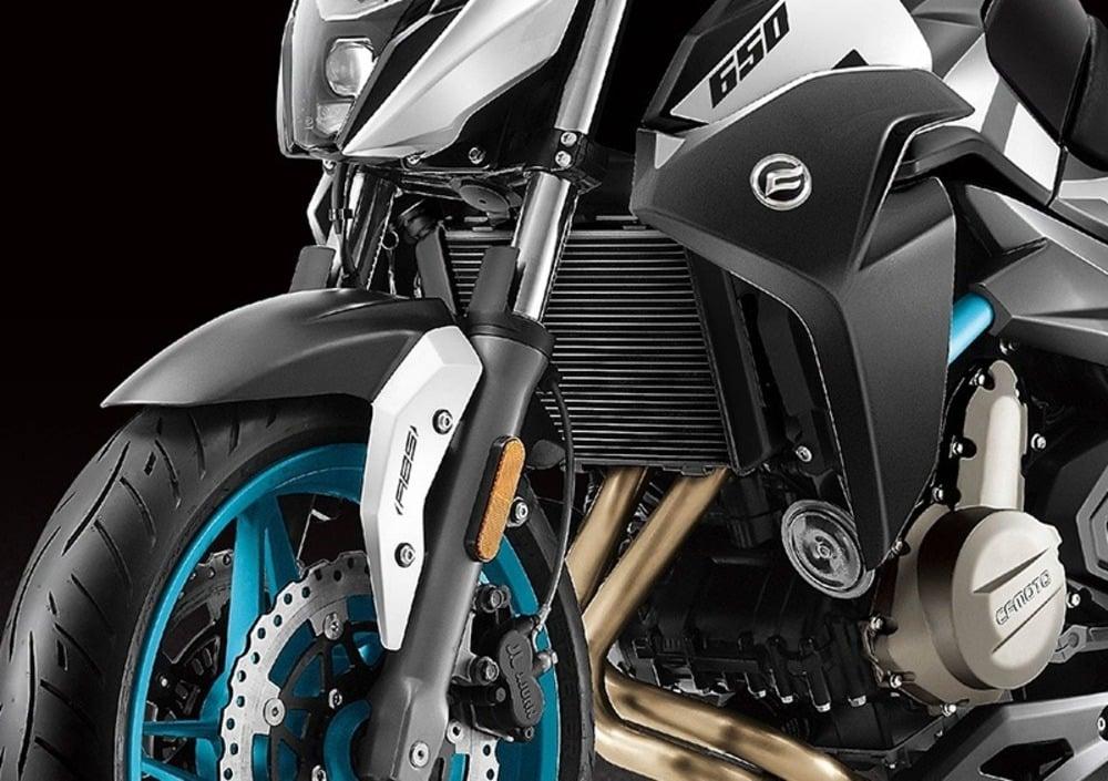 CF Moto 650 NK (2019), prezzo e scheda tecnica - Moto.it