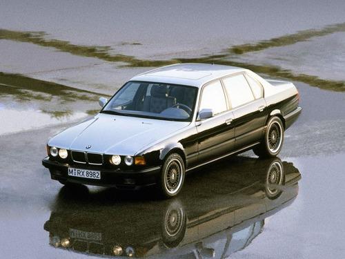 Karl Lagerfeld, le auto che ha immortalato (8)