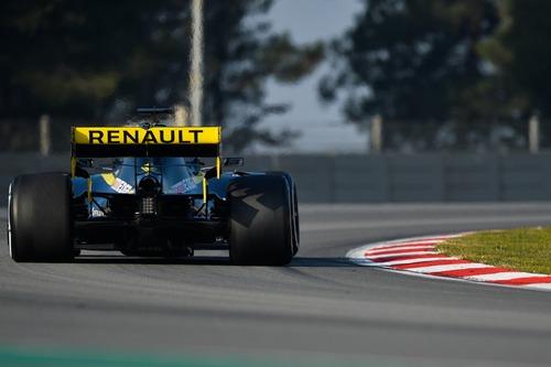 Formula 1, Ferrari promossa nei test di Barcellona