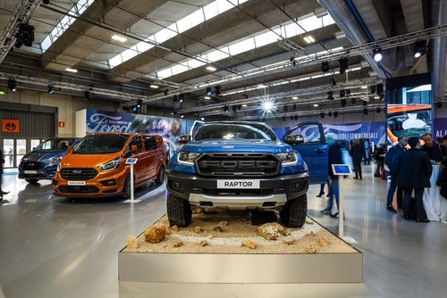 Nuovo Ranger Raptor: il super pick-up Ford anche in Italia [video] (8)
