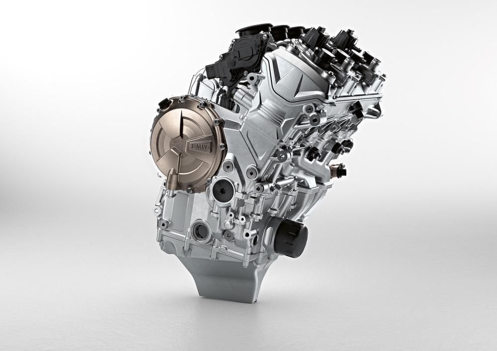 Il motore della BMW S1000RR 2019: si nota la coppa a
