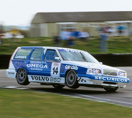 Volvo e la parabola della velocità: dalla 850 T5 SW al limite di 180 km/h (4)