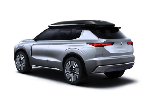 Mitsubishi Engelberg Tourer: concept al Salone di Ginevra 2019 (9)