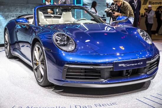 La nuova 911 debutta a Ginevra nella versione Cabrio della serie 992