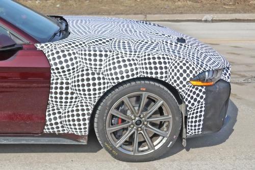Ford Mustang ibrida: follia o realtà? [Foto spia] (5)