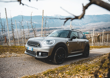 Mini Cooper S E Countryman ALL4: guidare green, divertendosi