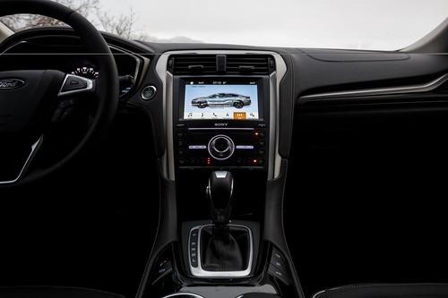 Ford Mondeo Wagon Hybrid Vignale: familiare di lusso sì, mild.. No! (6)