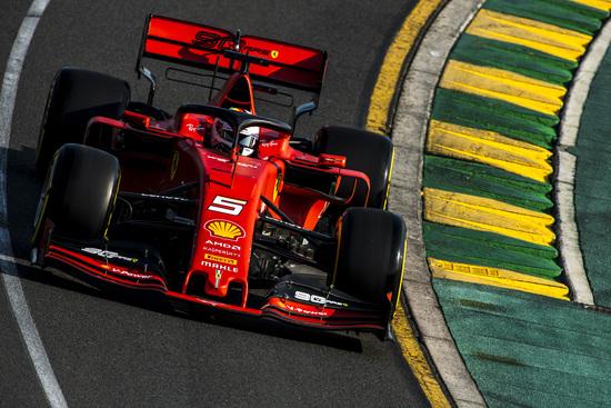 In ombra le Ferrari: Sebastian Vettel è quarto