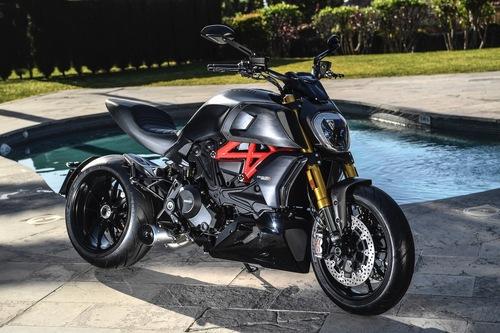 La Ducati Diavel 1260S allestita con accessori Performance