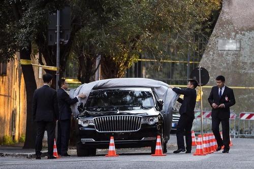 Xi Jinping in Italia, la mega-limousine del presidente della Cina: Hongqi N501 (2)