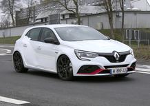 Renault Megane RS Trophy, le foto spia