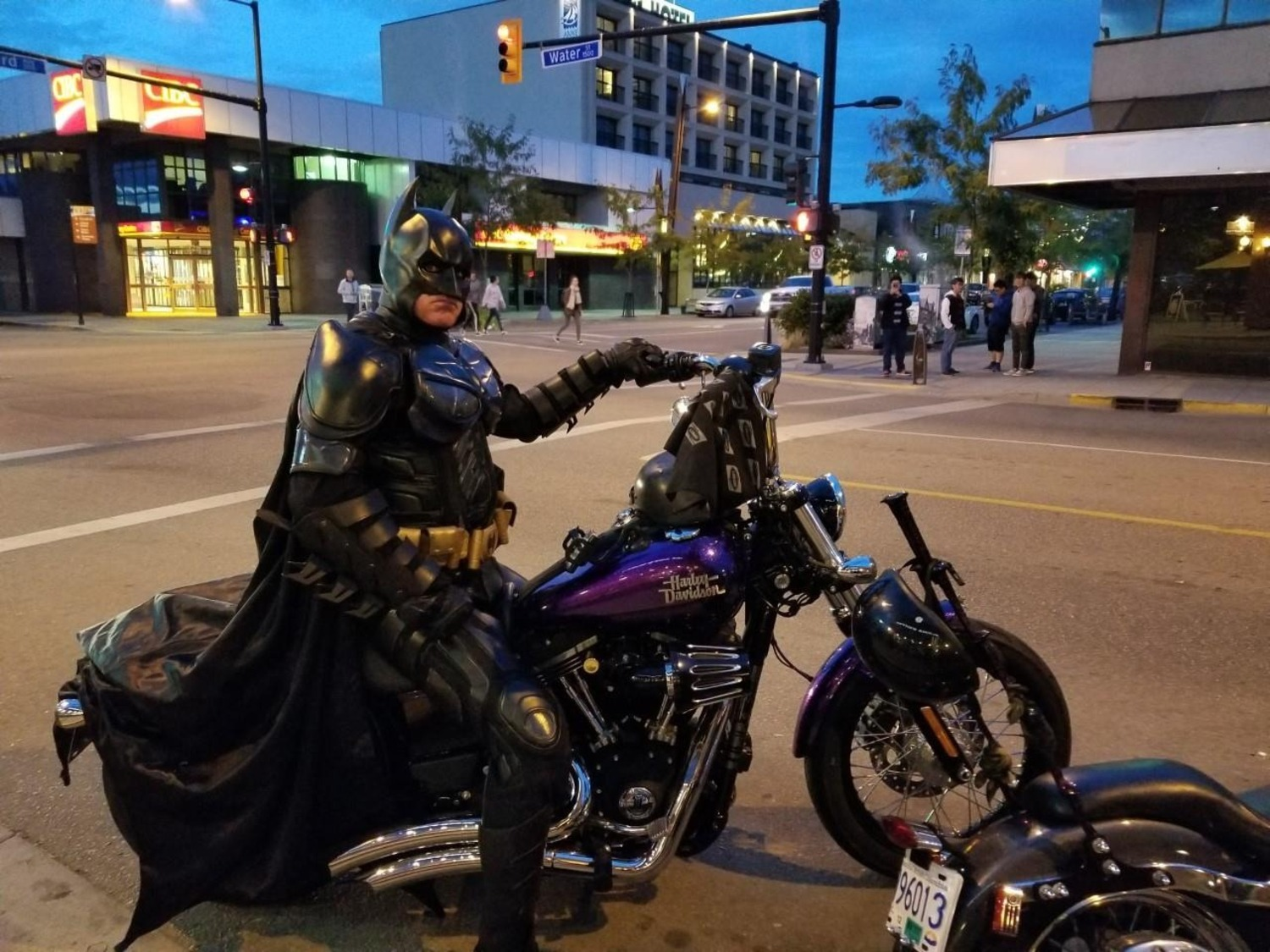 Batman pronto all'azione in Canada…ma la polizia lo allontana