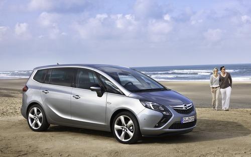 Opel Zafira: il mitico monovolume compie 20 anni (4)