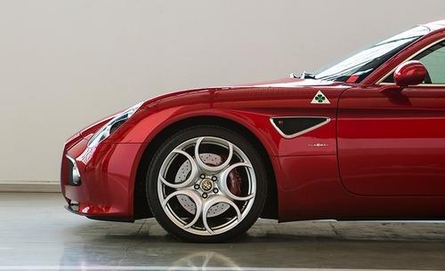 FCA vende due Alfa Romeo 8C Competizione e Spider (4)