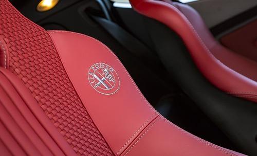 FCA vende due Alfa Romeo 8C Competizione e Spider (7)