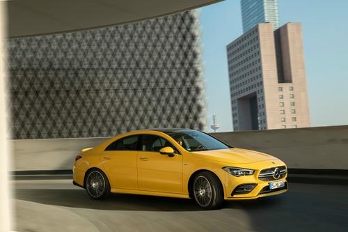 Mercedes-AMG CLA 35, debutto al Salone di New York (3)