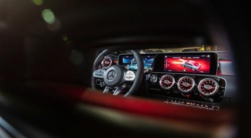 Mercedes-AMG CLA 35, debutto al Salone di New York (7)