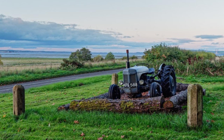 Macchine d'epoca, anche agricole: dopo 40 anni il trattore diventa storico