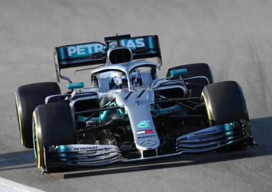Formula 1, Hamilton vince il G.P. Cina. Vettel solo terzo