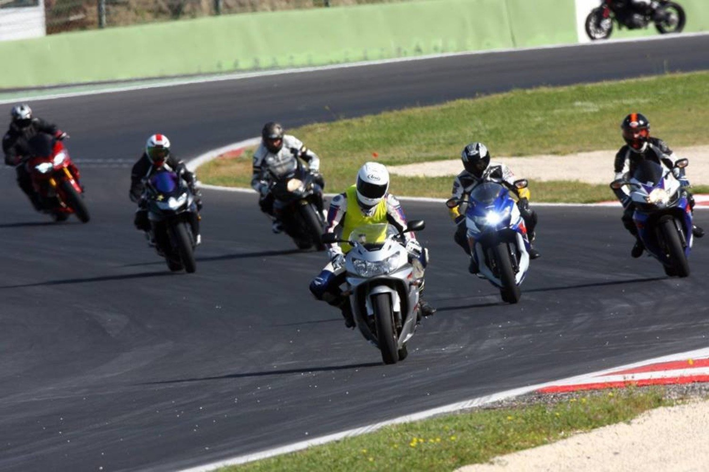 Guida e Impara Riders Academy: scuola in pista