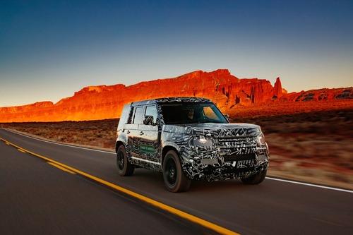 Land Rover Defender 2020 nuove immagini del prototipo
