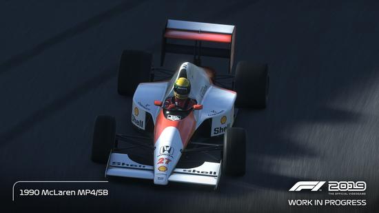Guidare al limite la McLaren MP4/5B di Ayrton Senna non sarà facile. Anche la Ferrari F1-90 di Prost è un bolide difficile da controllare