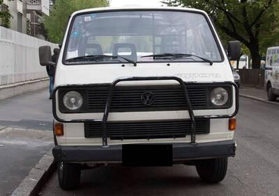 transporter syncro d'epoca del 1990 a Milano